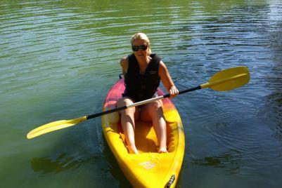 Jule im Kayak