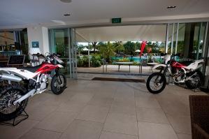 Überall Motorräder