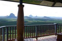 Ausblick auf die Glass House Mountains