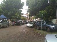 Müll an der Straßenseite