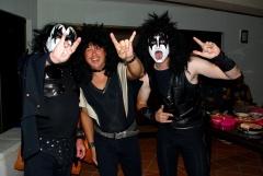 Die Kiss Band mit einem fehlenden Mitglied