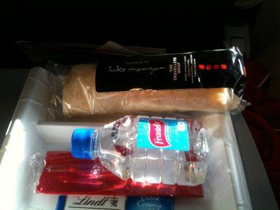 Snack auf dem Flug nach Sydney