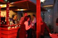 Eine Bar und Bardame nur für uns