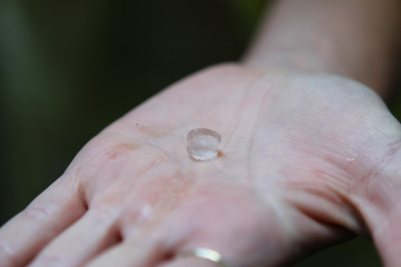 1 cm große Hagelkörner
