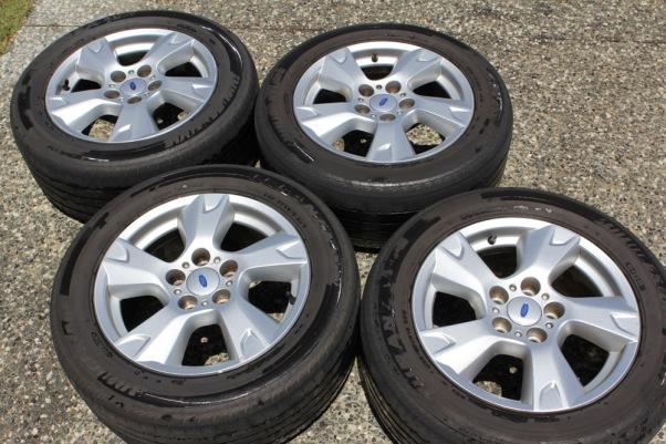 Vier Reifen zu verkaufen