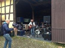 Mänertag - Liveband bei einer der Mühlen