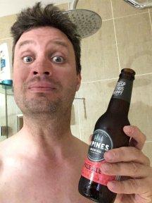Bier in der Shower nach einer Ausfahrt, was gibt es Besseres